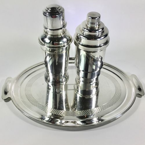 Excellent English Art Deco cocktail shaker by Goldsmiths & Silversmiths