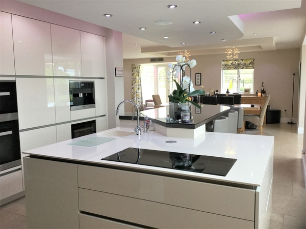 Award winning unique large family house set in beautiful grounds in South Yorkshire