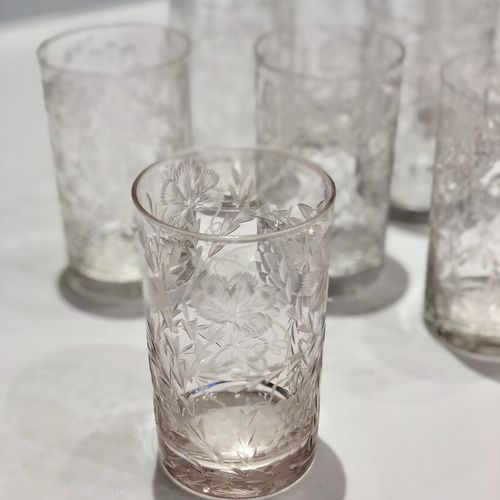 Pretty matched set of floral etched tumblers 1920s