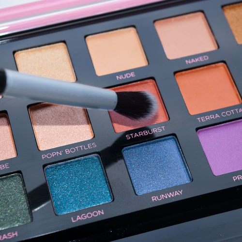 24 Colour Eyeshadow Palette Endless Possibilities