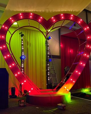 HEART PROP THEMED ENTERTAINMENT UK