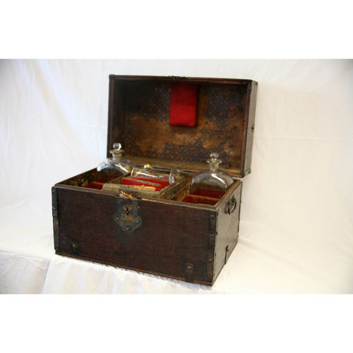 18th Century Pirates Chest for Decanter Set and Glasses - £1,250
