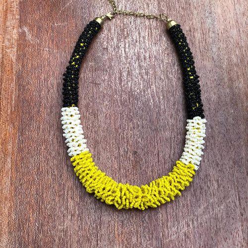 Yellow cream beads necklace