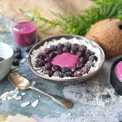 Cool Berry Smoothie Bowl
