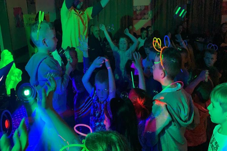 Children's Neon UV Disco Party Entertainment