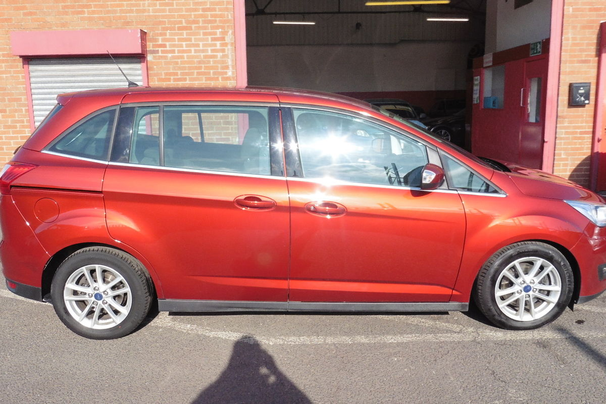Ford Grand C-Max 1.5 TDCi Zetec Powershift (S/S) 5dr - SAT NAV - 7 Seats!