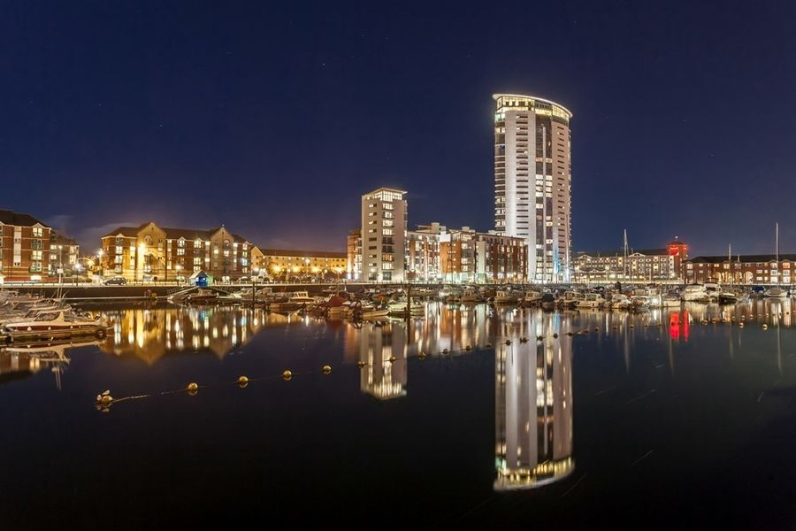 Meridian Quay -  Superb Location Overlooking the Wharf, 4 Star, 2 Bedrooms