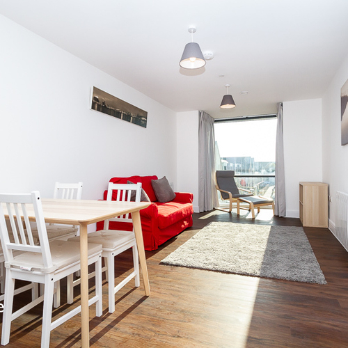 SCHOONER WHARF CARDIFF BAY FURNISHED ONE BEDROOM APARTMENT