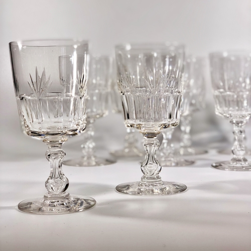 Eight Art Deco French crystal wine glasses Circa 1930/40s