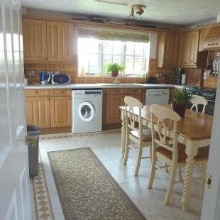 Renting in Newport - 4 Bedroom House to Rent, Newport - Unfurnished - A must see!