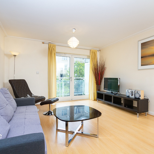 CENTURY WHARF CARDIFF BAY FULLY FURNISHED ONE BEDROOM APARTMENT