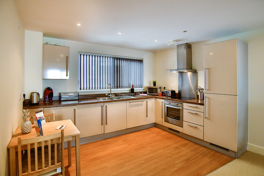 Meridian Quay - Superb Location, Overlooking the Bay 4 Star