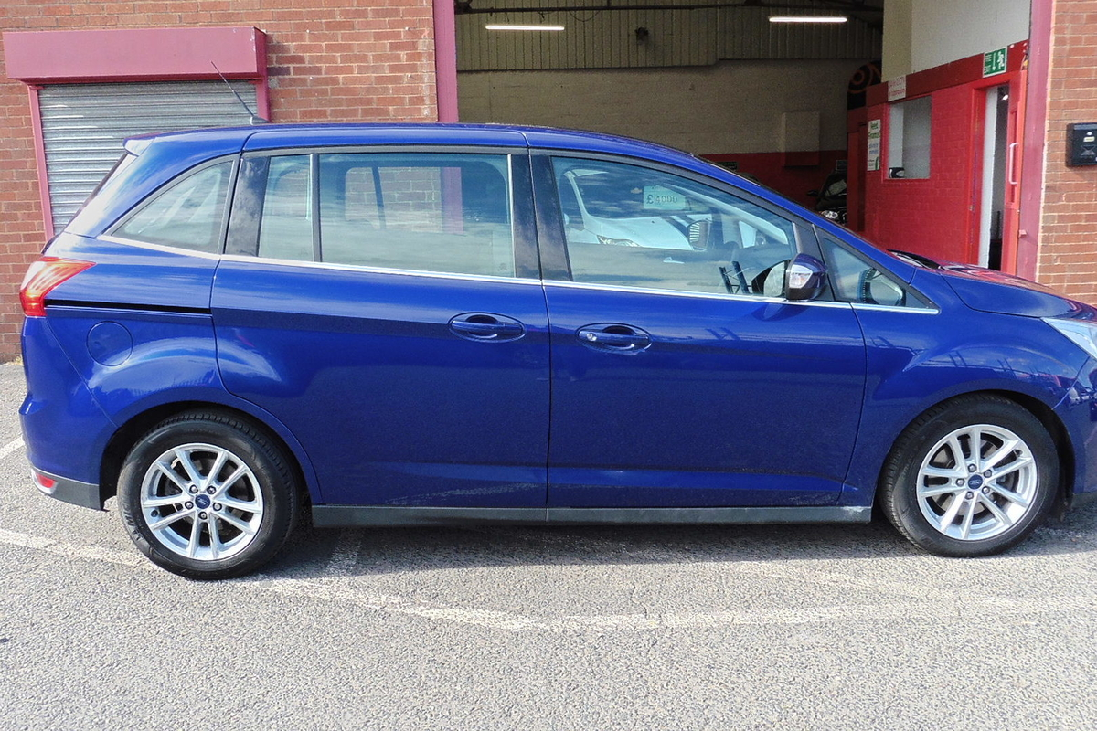 Ford Grand C-Max 1.5 TDCi Zetec Powershift (s/s) 5dr - 7 Seats - Sat Nav!