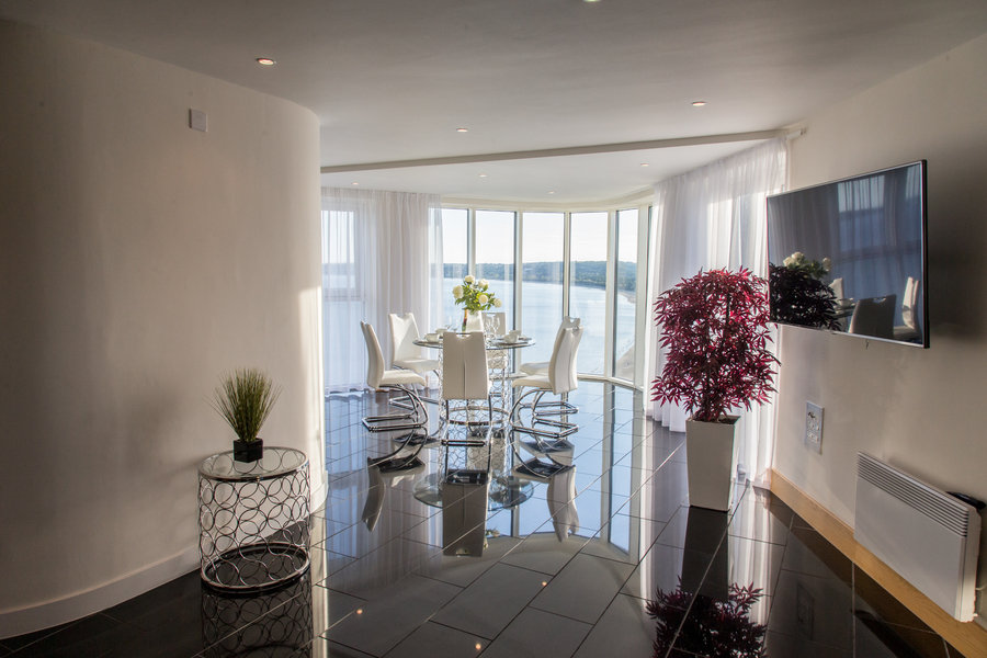 Meridian Quay  -  Penthouse - Panoramic Views,  5 Star, 4 Bedrooms