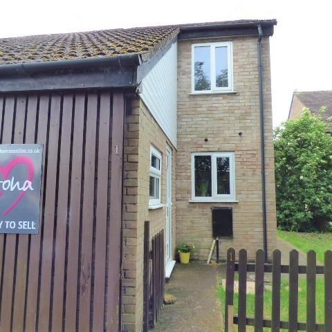 1 Darters Close, Lydney, Gloucestershire, GL15 5EY