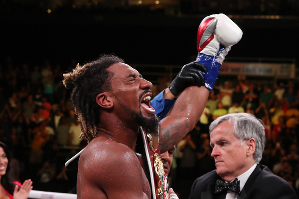 ANDRADE DOMINATES SULECKI IN HOMETOWN DEFENSE