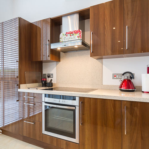 HENSOL APARTMENTS VALE OF GLAMORGAN FURNISHED EXECUTIVE TWO BEDROOM APARTMENT