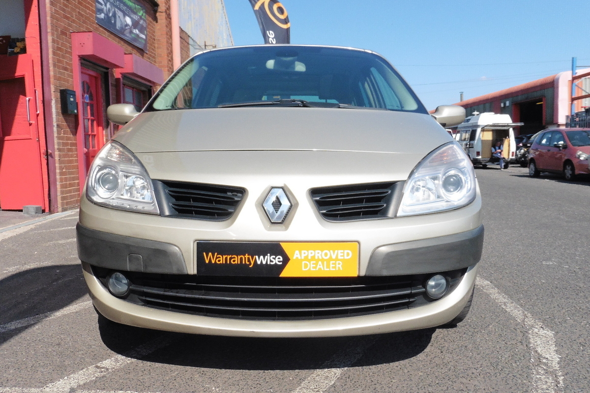 Renault Scenic 2.0 VVT Dynamique S 5dr - Panoramic Glass Roof - Full Leather