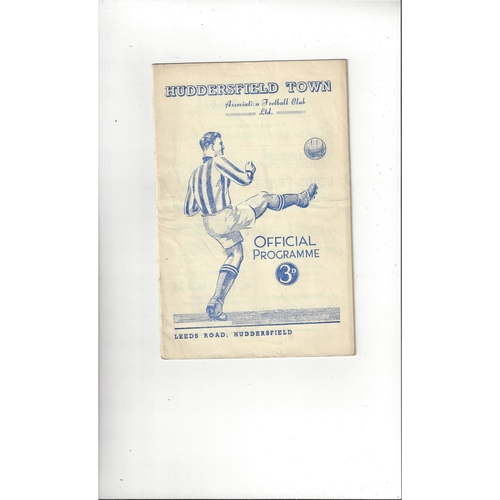 1951/52 Huddersfield Town v Manchester United Football Programme
