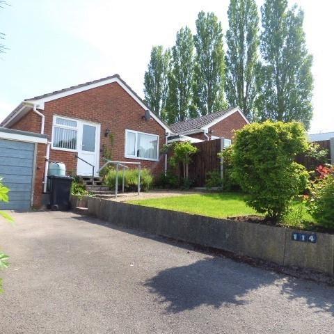 114 Lakeside Avenue, Lydney, Gloucestershire GL15 5QB
