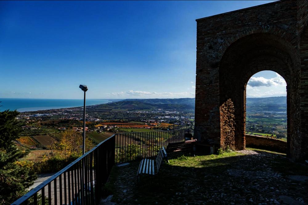 Seascape Modern Villa, Abruzzo
