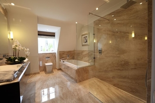 Top 10 reasons why it's a great idea to install a wet room.