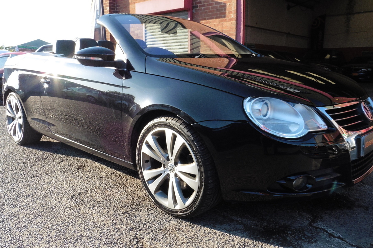 Volkswagen Eos 2.0 TSI Sport Cabriolet 2dr - Full Service History - Leather Interior!