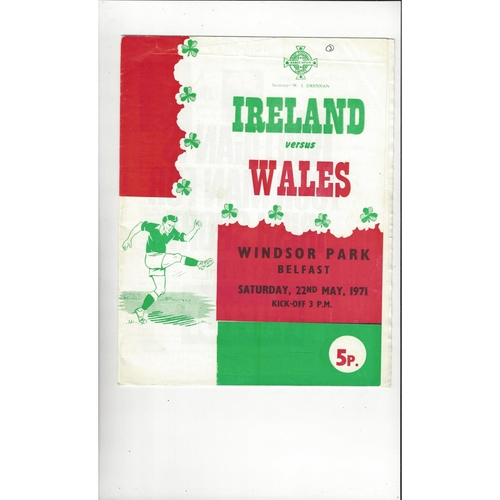 1971 Northern Ireland v Wales Football Programme
