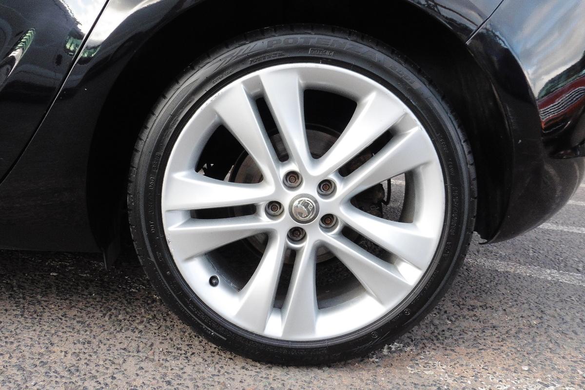 Vauxhall Astra 1.4T 16v SRi 5dr - Low Mileage