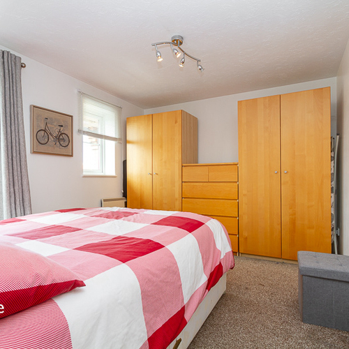 WINDSOR QUAY CARDIFF BAY FURNISHED ONE BEDROOM APARTMENT
