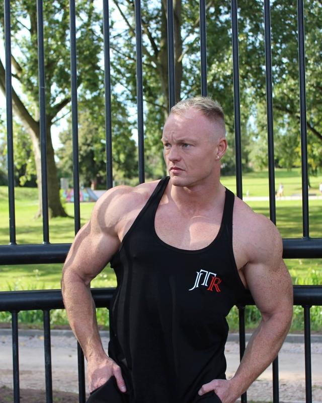 JTR Men's Stringer Vest Black