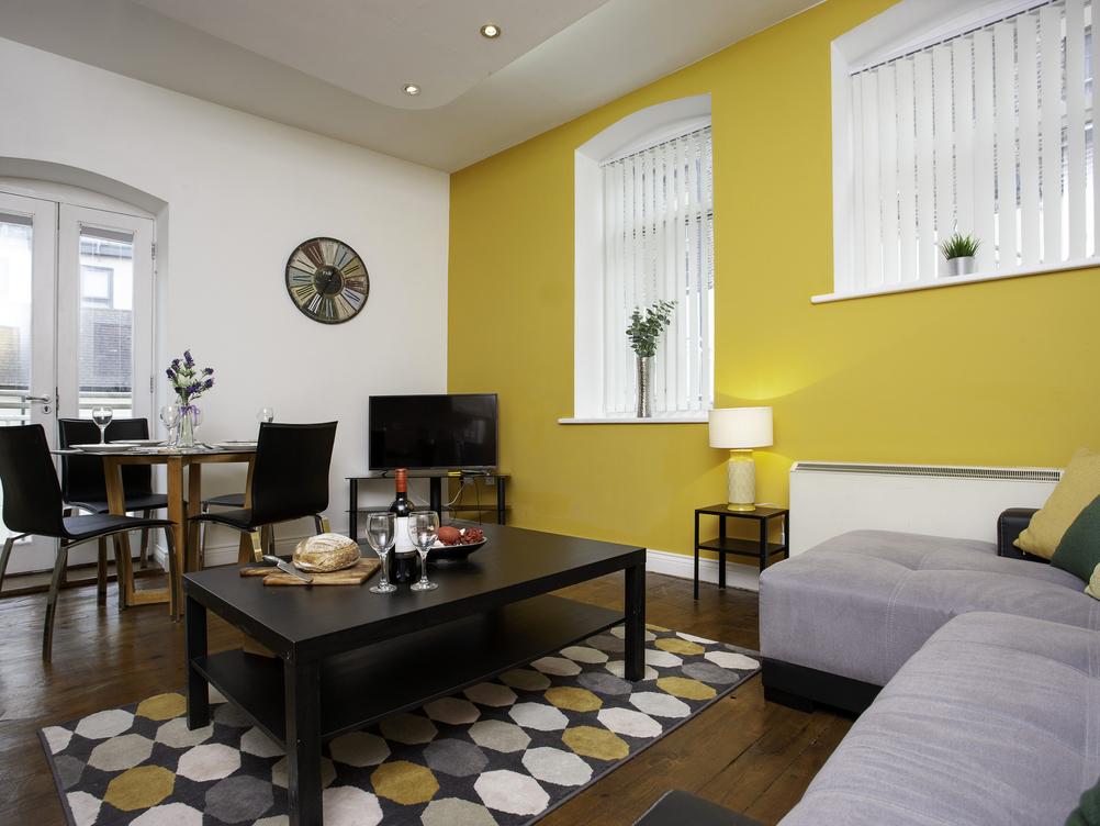Apartment 19, Hampton Gardens