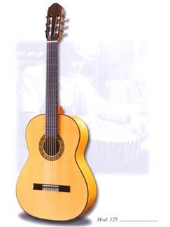 Raimundo: 125 Flamenco Guitar Instruments | Classical Guitar