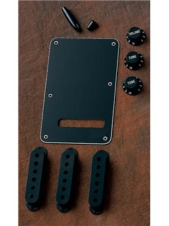 Fender: Stratocaster Accessory Kit - Black  | Electric Guitar