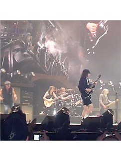 AC/DC: Girls Got Rhythm Partituras Digitales | Piano, Voz y Guitarra (Mano-derecha Melodia)