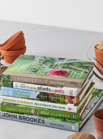 The Willoughby Gardening Book Club magazine