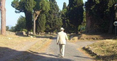 Manuel Artero en la Vía Apia