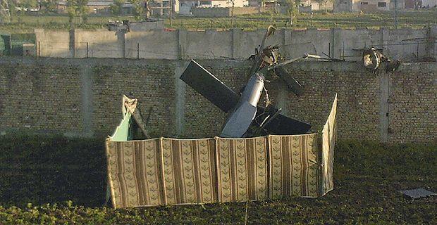 Helicóptero de los SEAL abandonado en la mansión de Bin Laden.