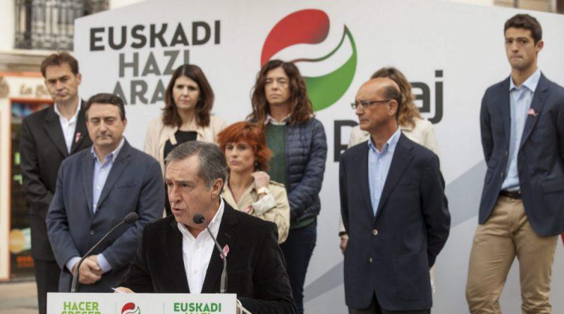 El presidente del PNV de Álava, Xabier Agiirre en el 2015 en un acto oficial de presentación de candidatos