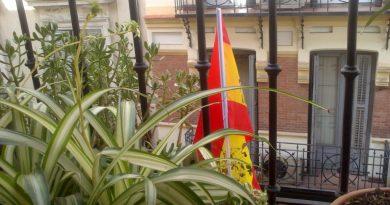 La bandera española en mi balcón