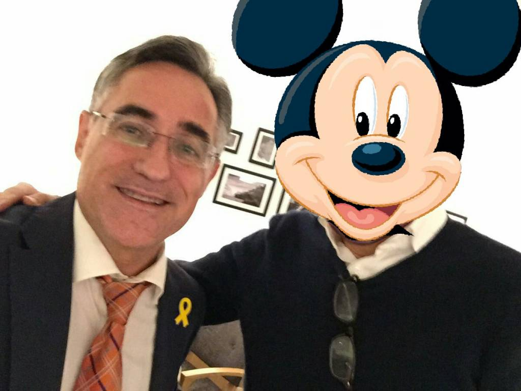 Tremosa asegura haber conseguido el reconocimiento de la República Catalana por parte de Disney.