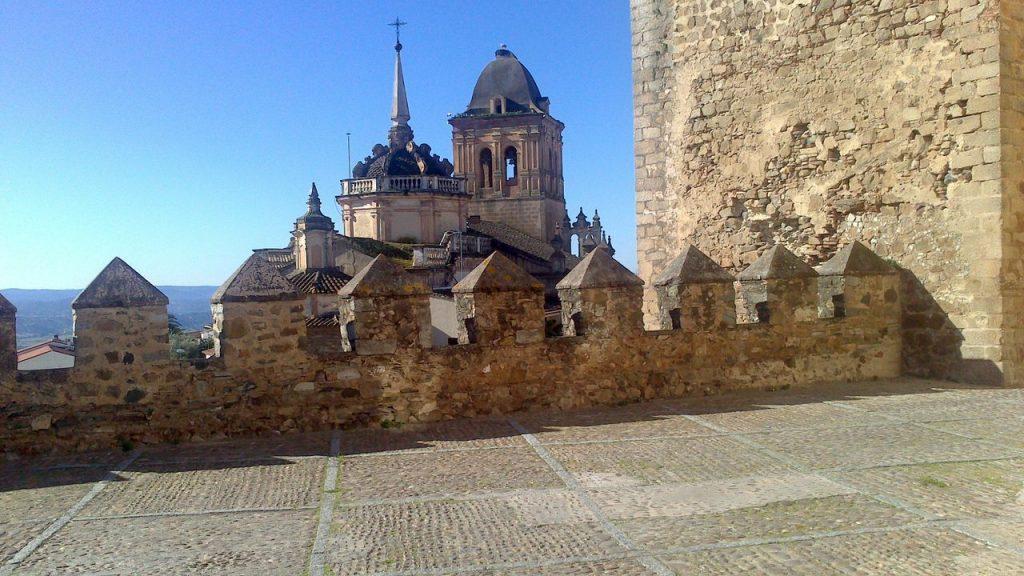 La Iglesia de Santa María desde la Alcazaba