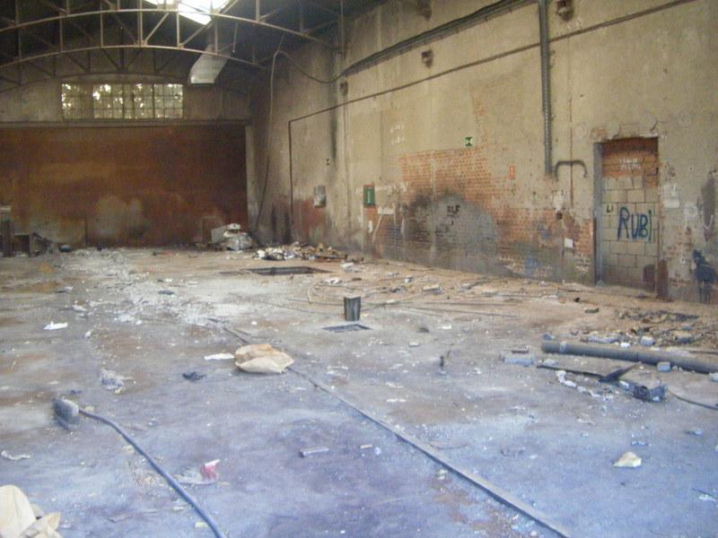 oto 30.- Interior de una de las naves de Tafesa el 16 de septiembre de 2013