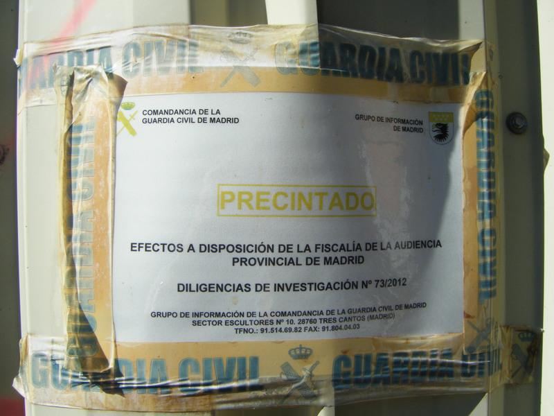 Foto 36.- Precinto colocado por la Guardia Civil en el cobertizo