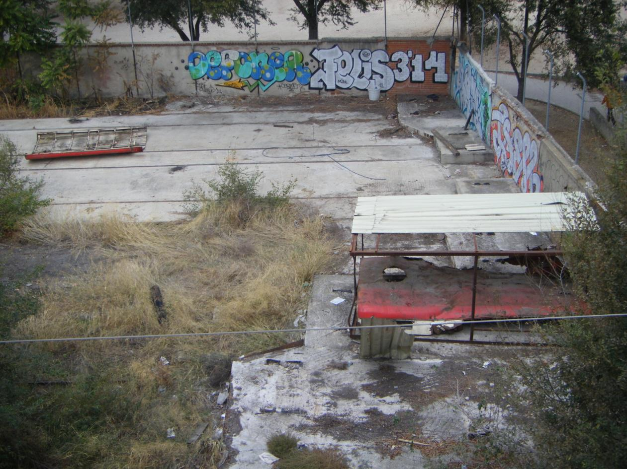Foto 49.- El 22 de octubre de 2013 el cobertizo está desmantelado y expoliado. Sólo quedan dos piezas del techo