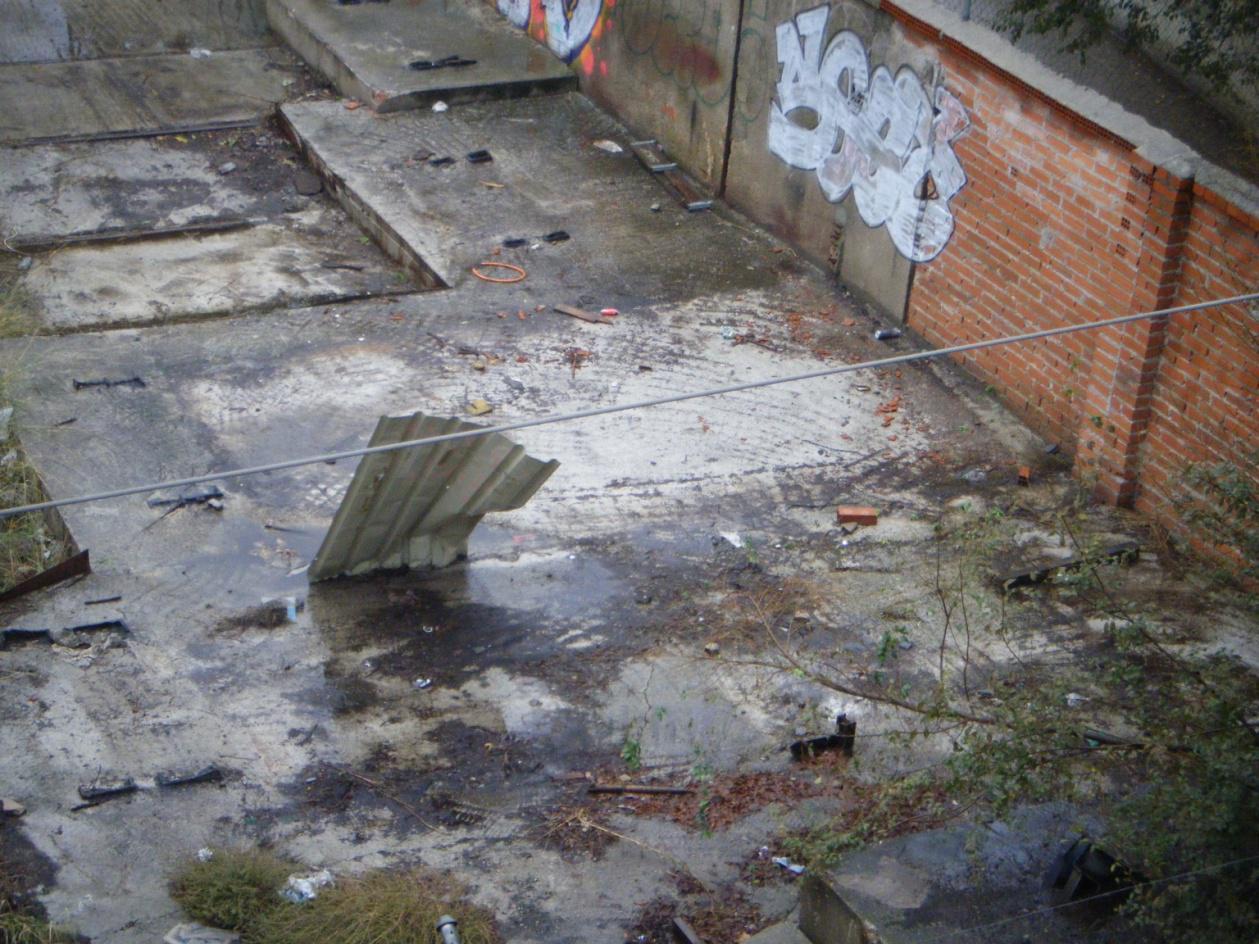 Foto 56.- Los restos del cobertizo el 25 de octubre