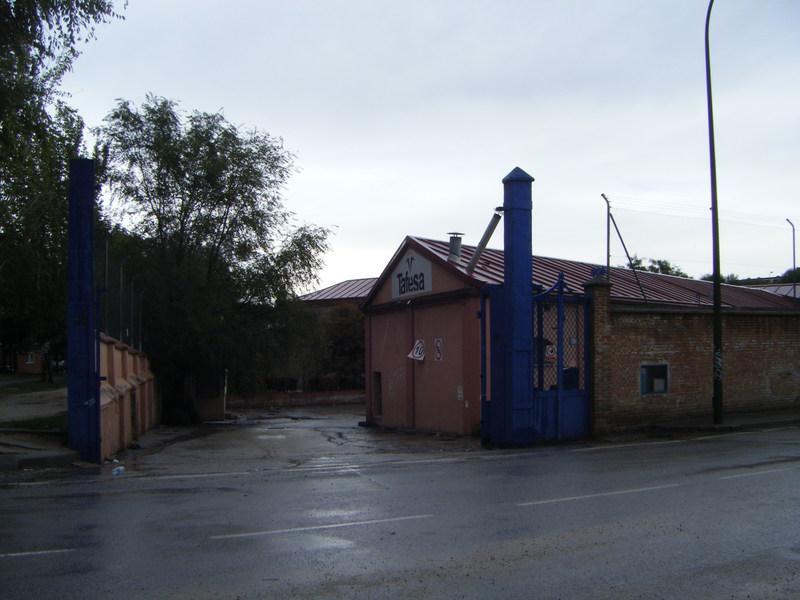 Foto 57.- La entrada de Tafesa sin vigilancia alguna el 25 de octubre