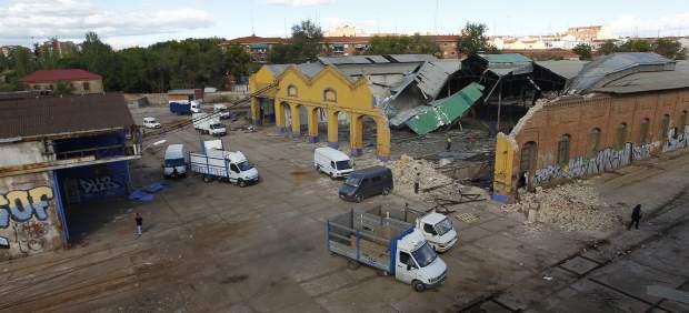 Foto 58.- Gran actividad de derribo de instalaciones y cargue de vehículos el 26 de octubre
