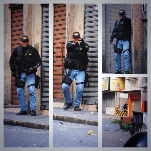 La Constitución Nacional de Venezuela prohíbe expresamente el uso de armas para reprimir protestas y .. ¿este SEBIN qué?