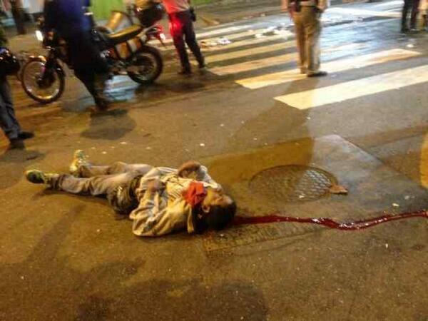 MUERTO el joven Roberto José Redman . Usuario Twitter: @EscualidoReload / Caído en Chacao